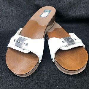 NWOT Dr. Scholl's Foam Buckle Sandals